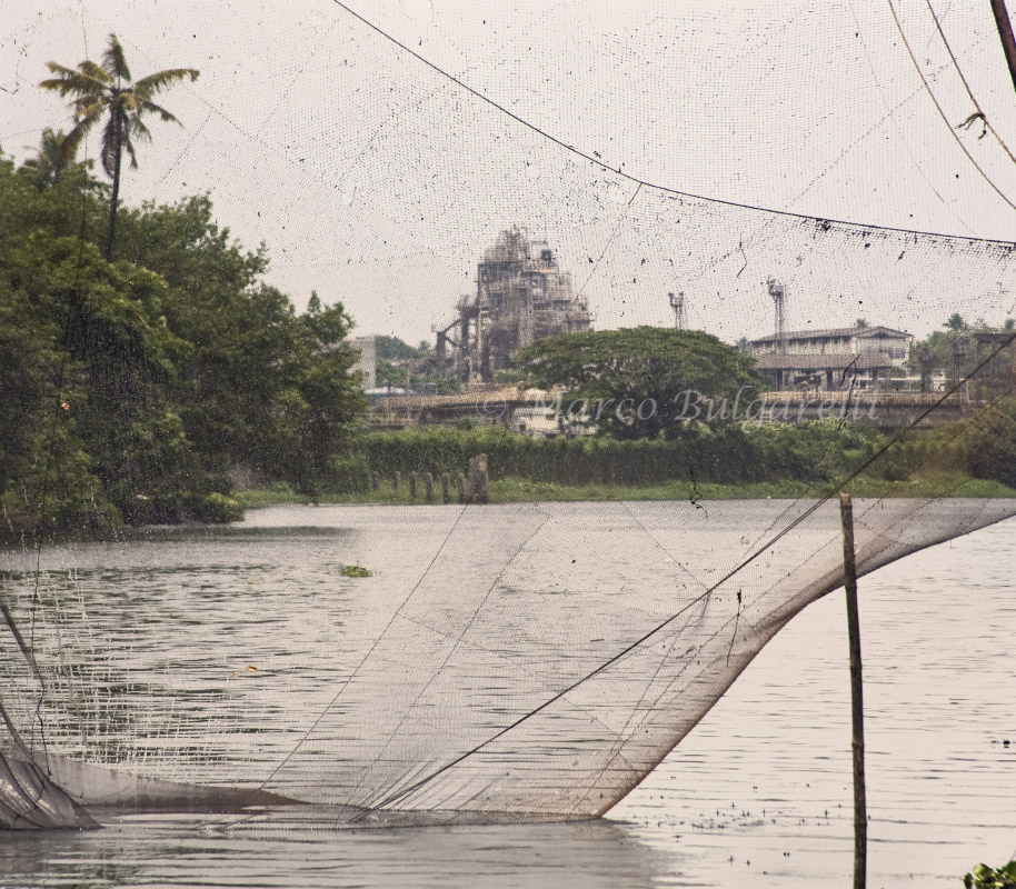 periyar pollution Toxic pollution from heavy metals to chemicals and radioactivity is found in air, soil and in the periyar river, which spreads the contamination to the vembanad lake .